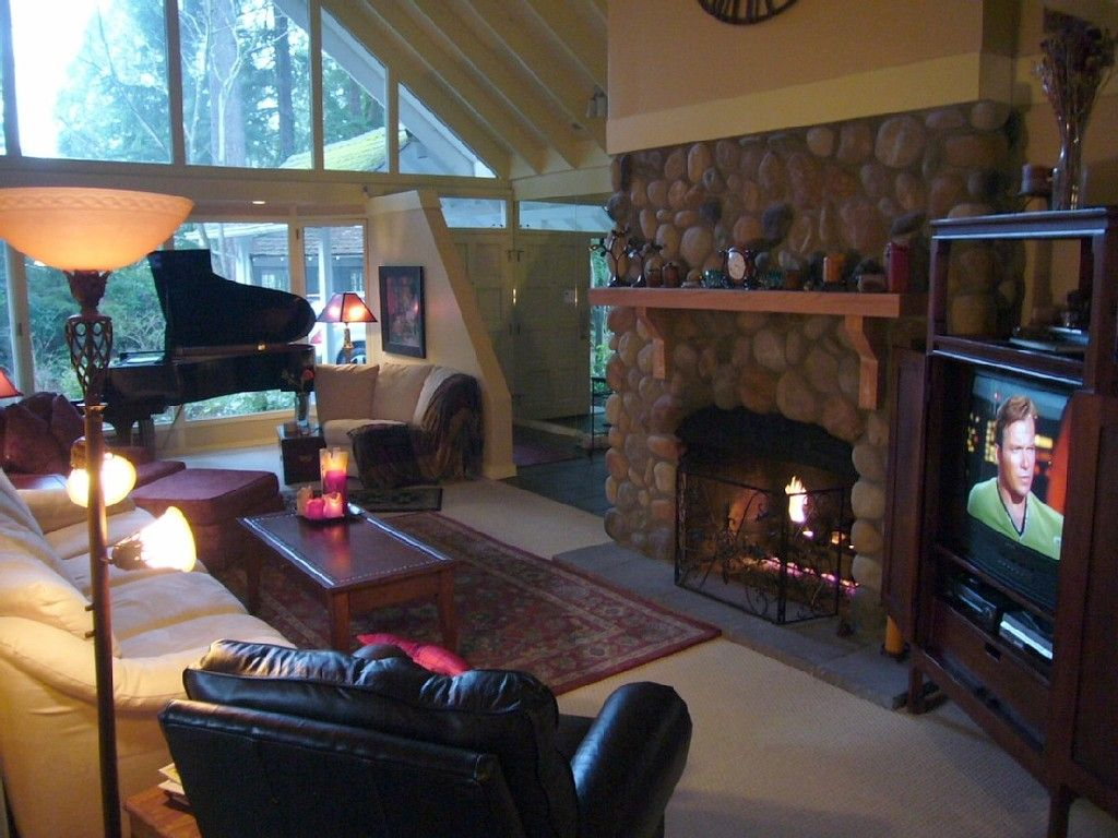Vrbo Com 133820ha Lodge Loft Fireplace Grand Piano Keylessentry Continuous Hot Water For Showers House Rental Vacation Rental Lake Forest Park