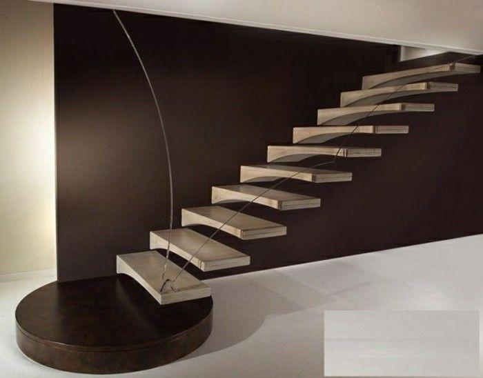 Escalera que acaba en un escalon redondo escaleras - Escaleras de madera adorno ...