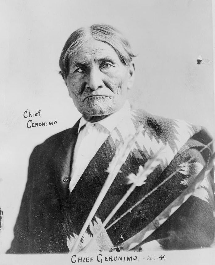 Chief Geronimo, Apache leader, holding bow and arrows - Photographer unknown, c. 1904 (Library of Congress).