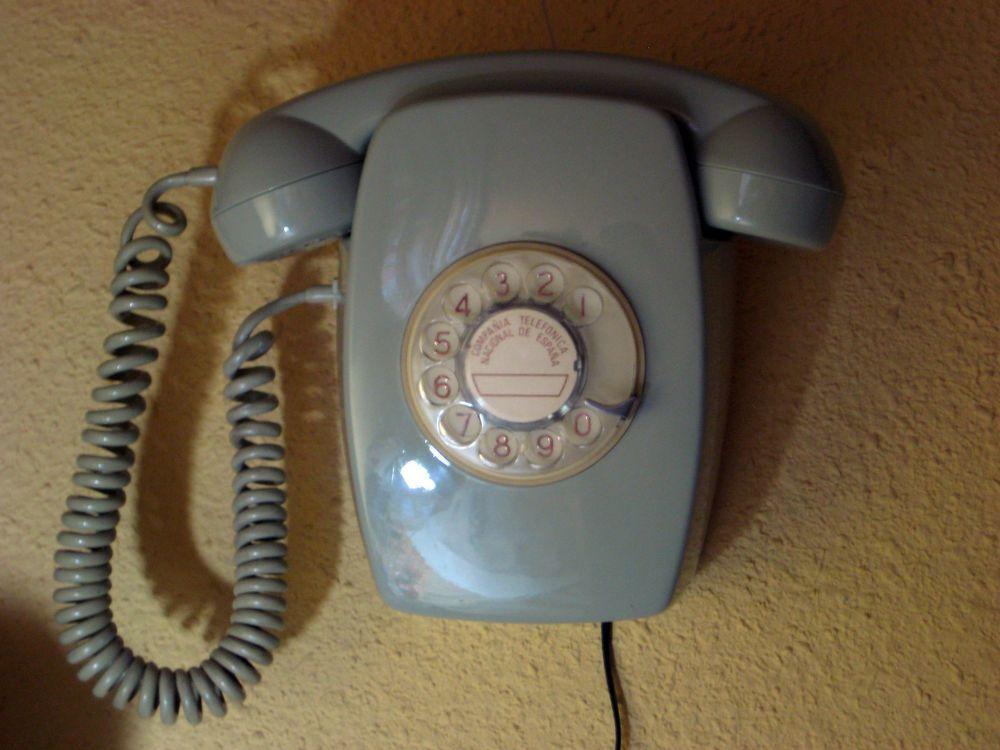 Resultado de imagen de telefon de pared 1968