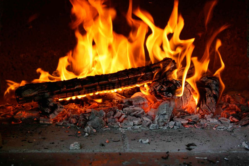 Starting the fire in your pizza oven For Malibu Pinterest Fire