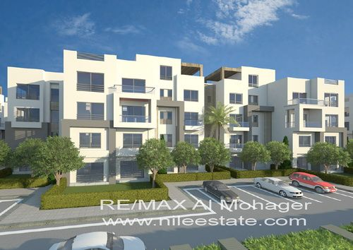 Duplex with Private Garden for Sale in Village Avenue Palm