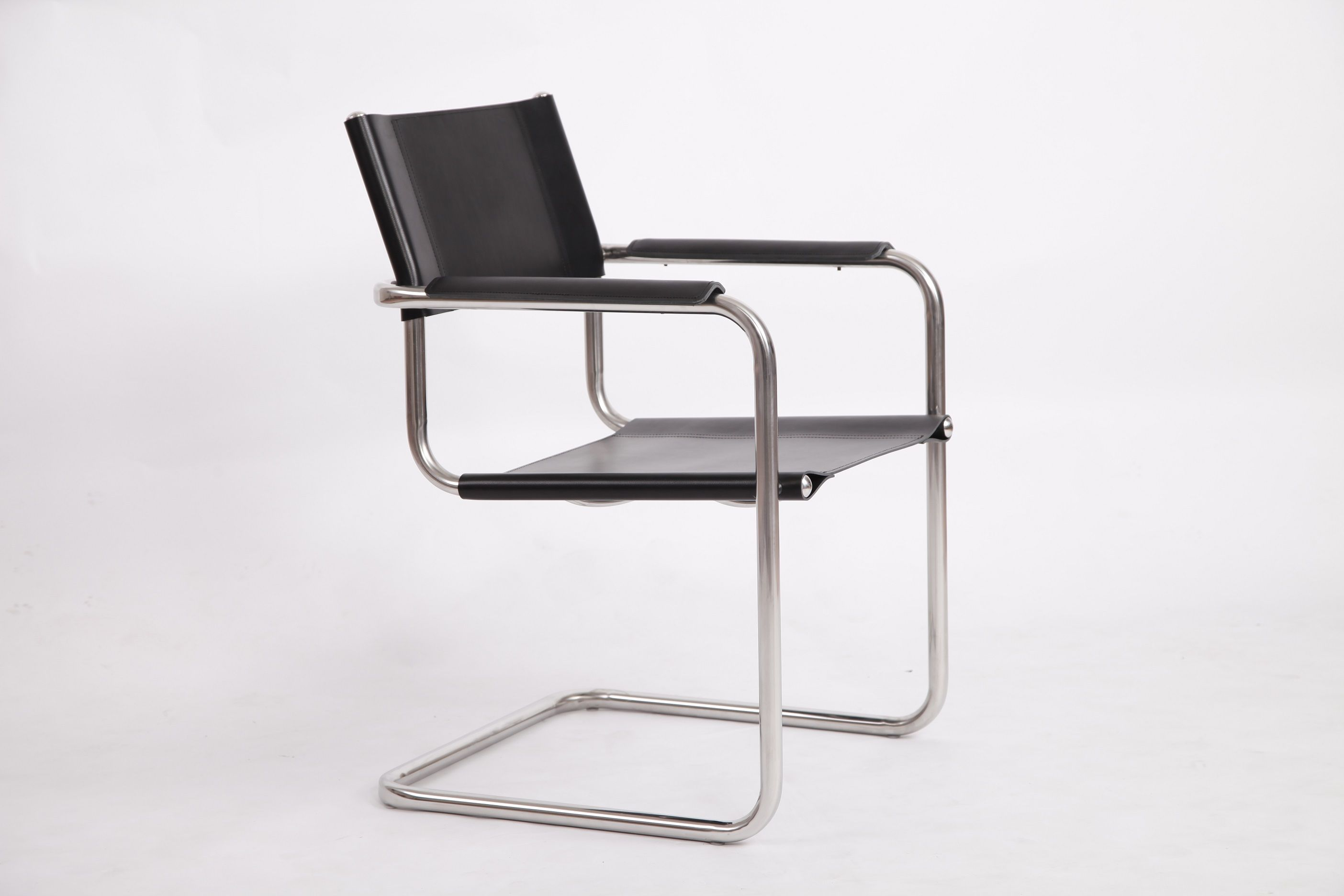 Repliche Mobili Bauhaus.Mart Stam S34 Cantilever Chair Replica Leather Dining Chair