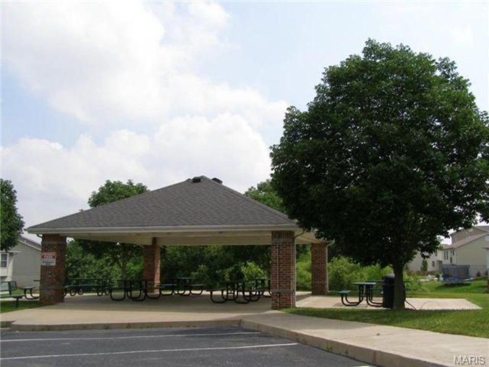 Neighborhood park pavilion. Condos for rent, Park