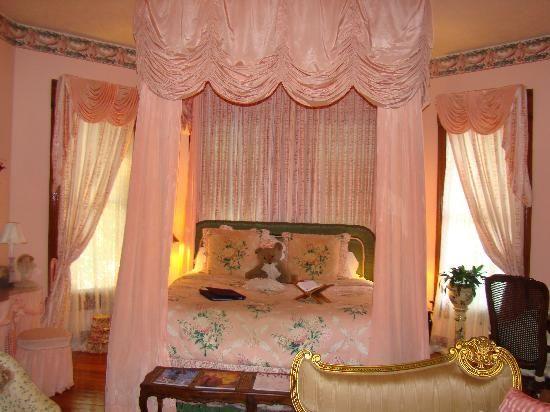 Beautiful Breakfast Rooms Of Seven Sisters Inn Ocala Bed