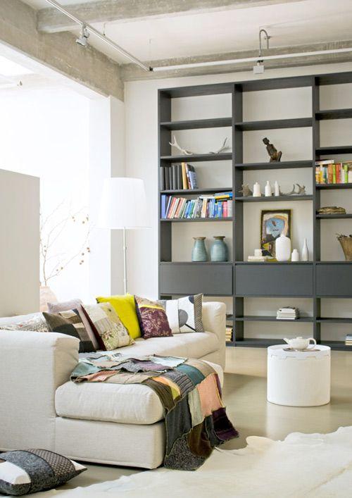 Leesboek met boekenkast | Wand mama | Pinterest | Wohnzimmer