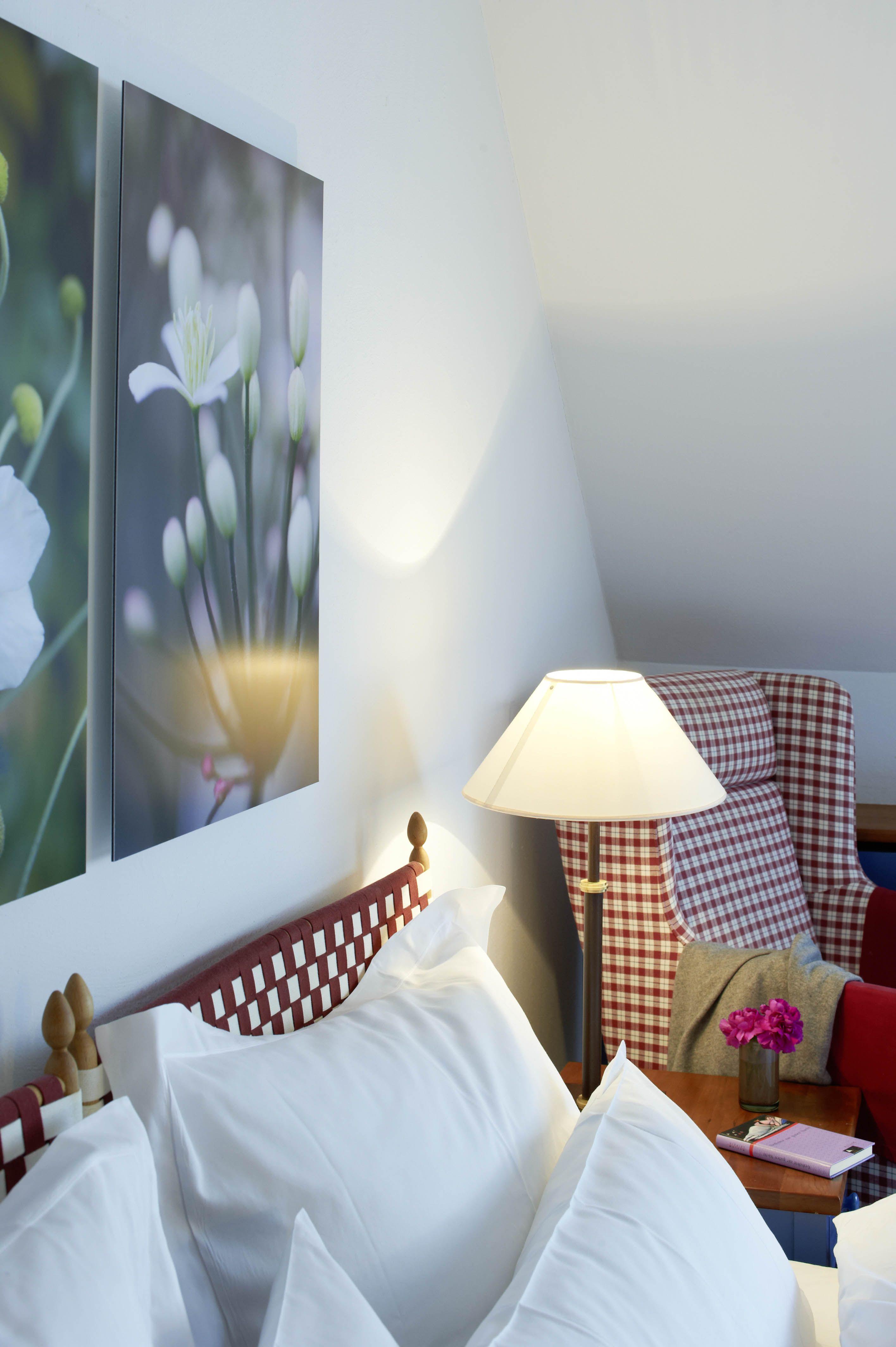Schlafbereich in unseren Shaker #Doppelzimmern im #Hotel Kloster ...