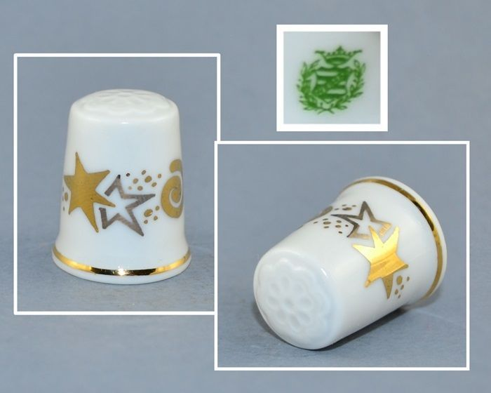 WEIMAR PORCELAIN THIMBLE - GOLD STARS
