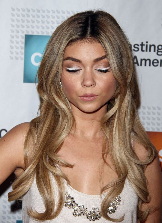 A White Cat-Eye? Sarah Hyland Tried It and the Results Were AWESOME
