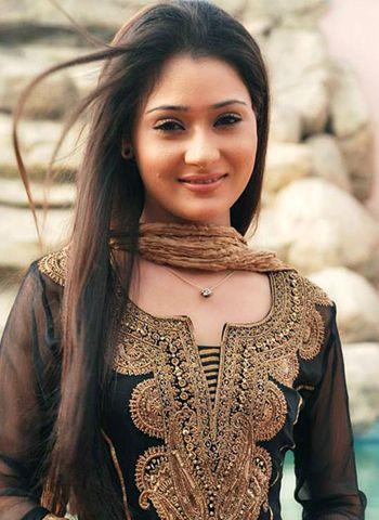 sara khan википедия