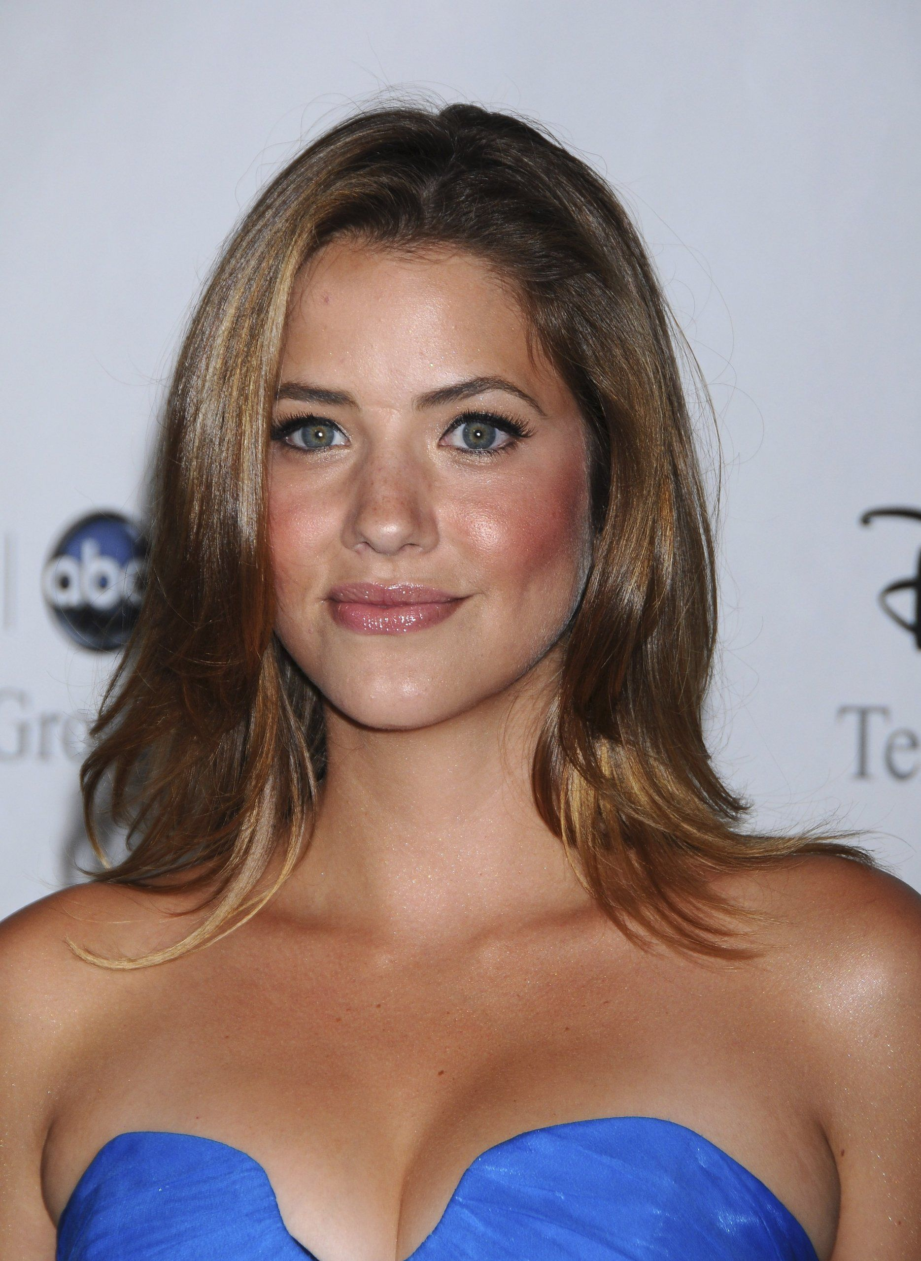 Julie Gonzalo Nude Photos 78