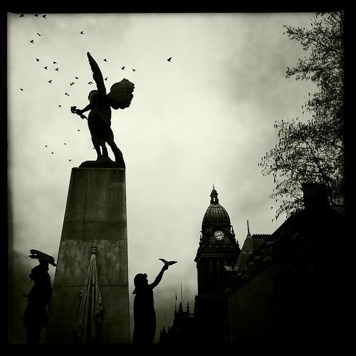 War Memorial & Town Hall, Leeds, Yorkshire | by Grangefirth