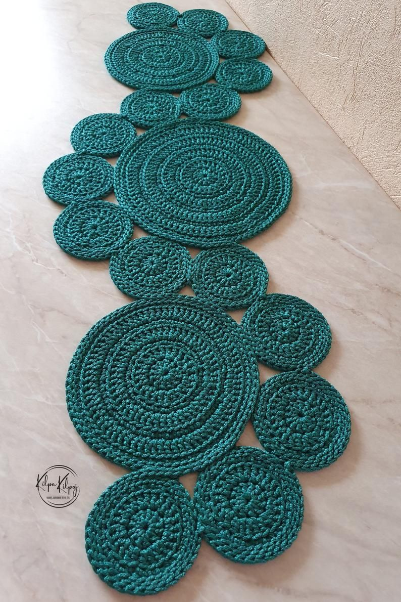 Green crochet table runner, crochet table decor, Hand crochet table mats