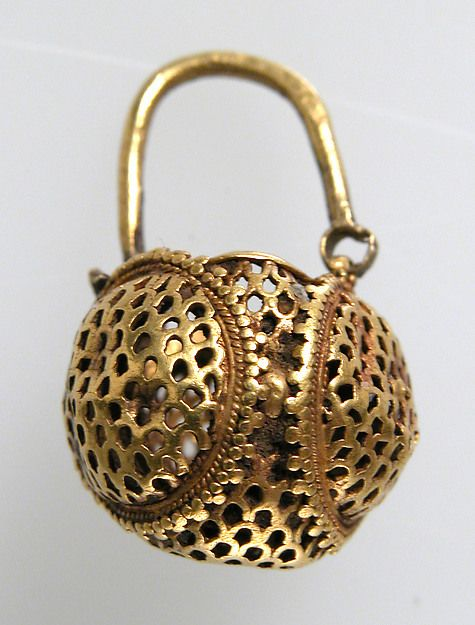 Rosamaria G Frangini | High Ancient Jewellery  | Opus interrasile was a technique used by goldsmiths to make elegant jewelry from the 200s through the 600s. Designs were traced onto sheets of gold; the background was punched with holes of various sizes to highlight the pattern; and fine details were then worked on the surface