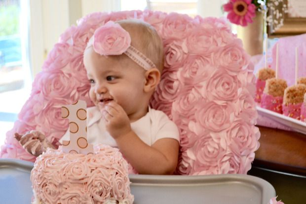 A very girly first birthday party on funyumandfrills.com