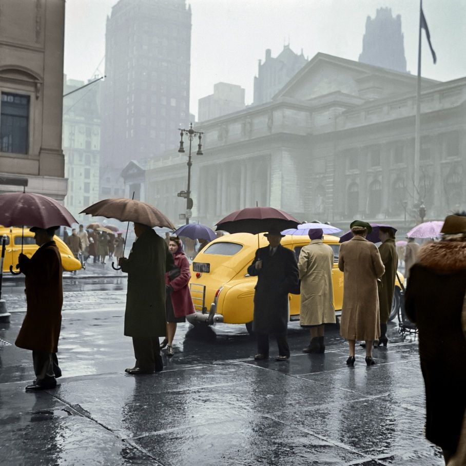 1943 New York Forty Second Street And Fifth Avenue On A Rainy Day Chatel Marie Lou Offrez Vous Une Photograph Painting Photos Pictures Vintage New York
