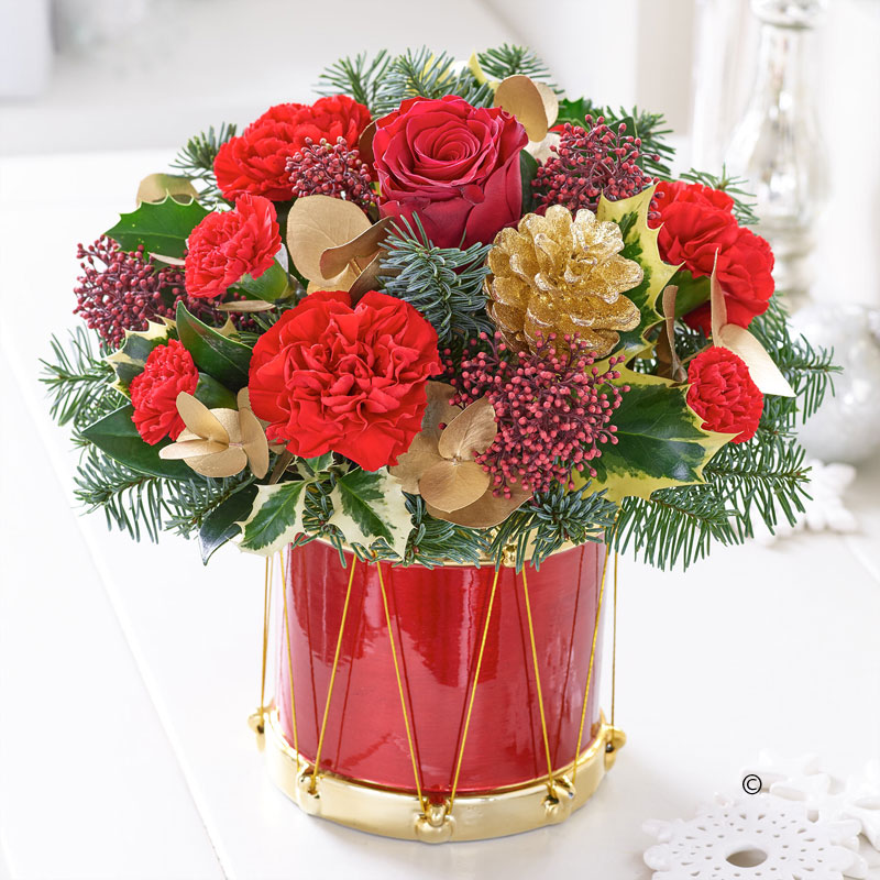 Festive drum arrangement in 2020 Christmas flowers