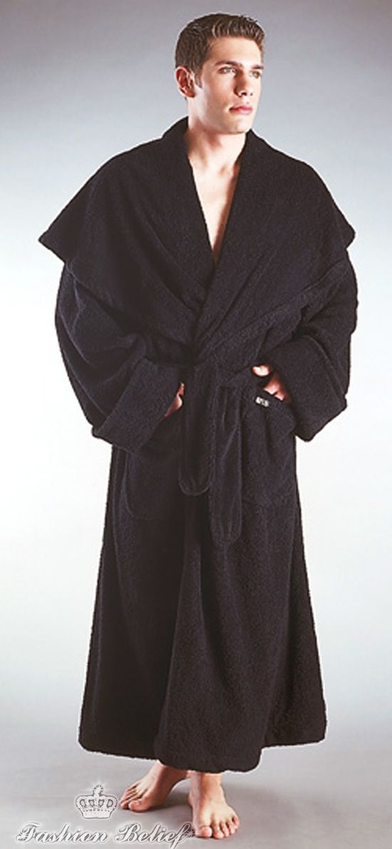 Men s bathrobes can be found in three basic lengths from mini to floor  length. The various sizes have their own personal advantages. The medium  length is ... 4b3be5652
