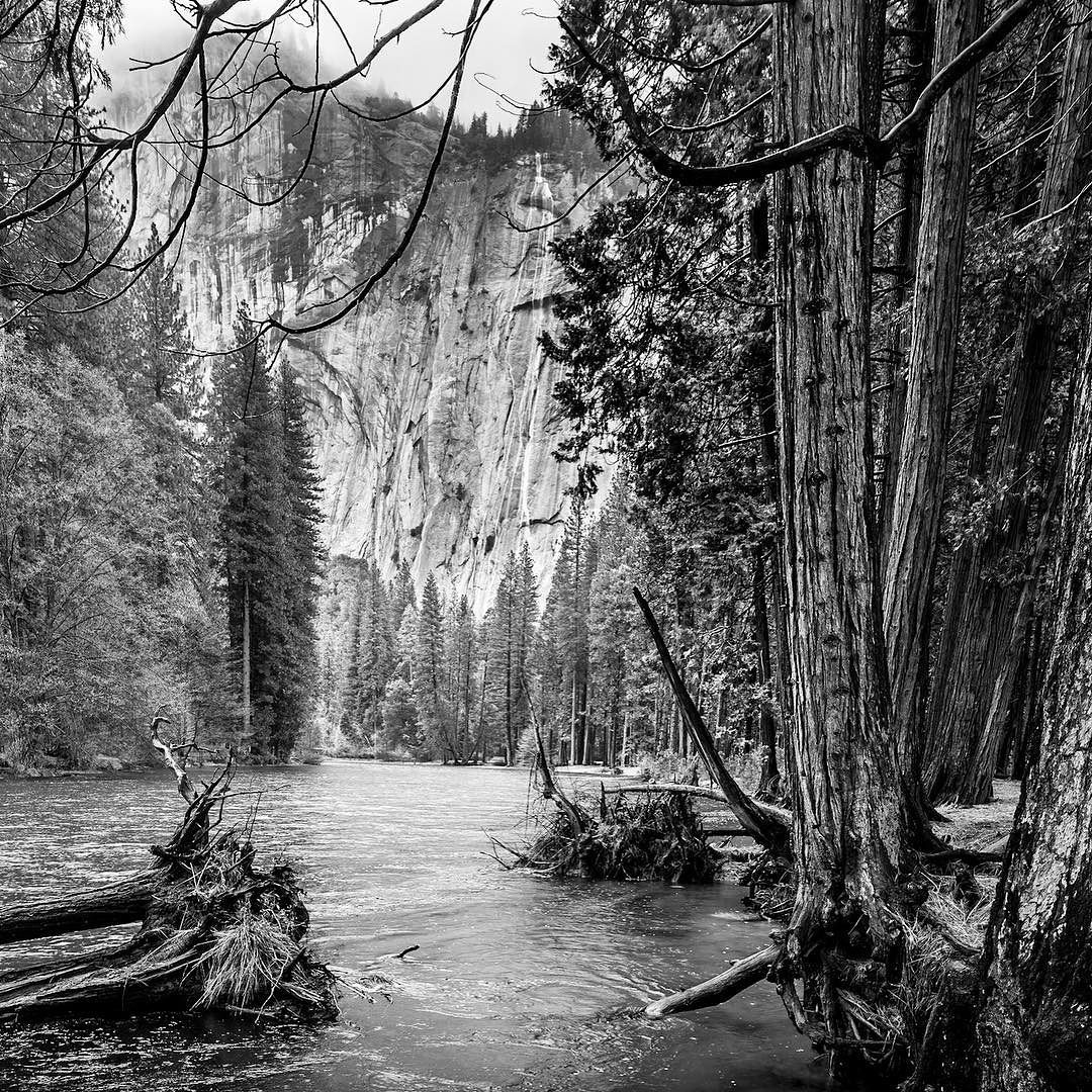 Merced River In Yosemite Valley To Be Able To Get All Details In The Dark Foreground And Very Bright Wall In The Backgro Merced River Yosemite Valley Landscape