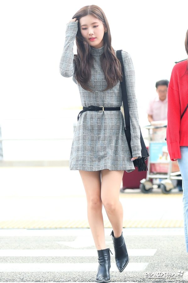 10 Essential Fall Looks From Idols At The Airport For Some Fashion Inspo Soompi Korean Airport Fashion Korean Airport Fashion Women Airport Fashion Kpop