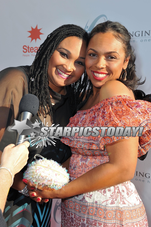 Hana Ali   StarPicsToday.com - Maryum Ali and Hana Ali at ...
