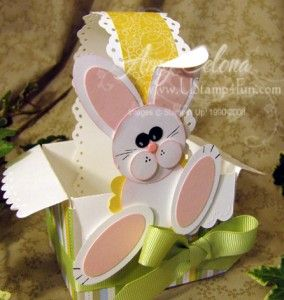 Cute bunny and basket...using the scalloped envelope and punches...nice job..