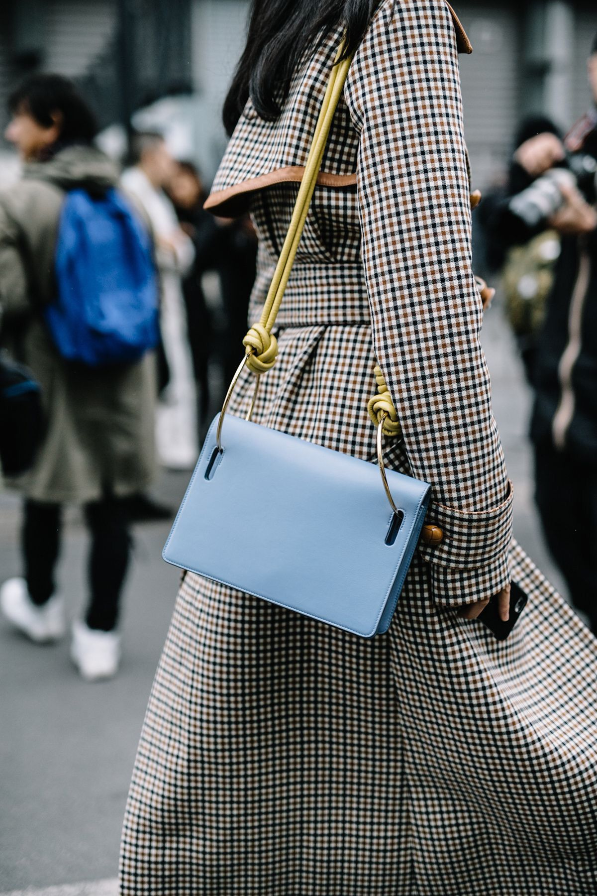 40 Trendy Crossbody Bags You Should Own For Fall And Winter Outfits