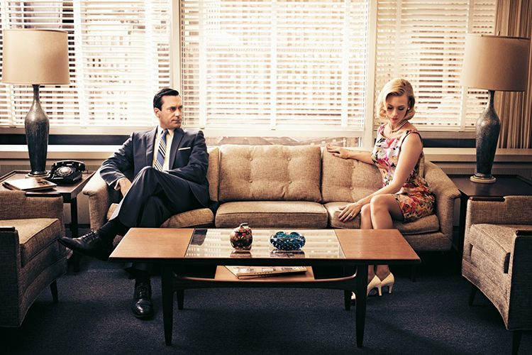 jon hamm who plays don draper and january jones betty francis of mad men photo by art streiber for newsweek - Mad Men Sofa