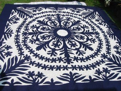 HAWAIIAN QUILT- The design is pinned down on the background fabric ...