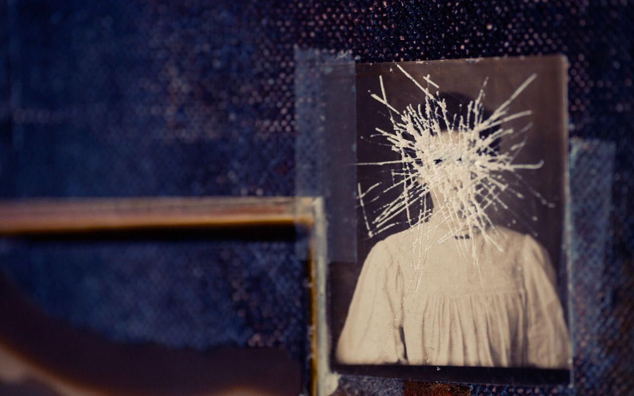 Nine Inch Nails: Hesitation Marks interior packaging art. Details of ...