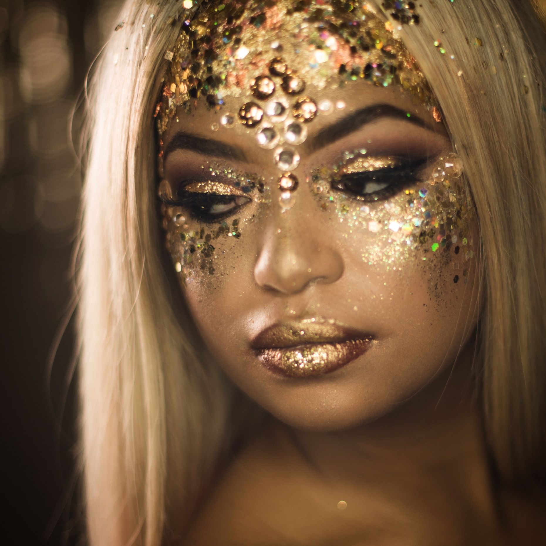 Golden Goddess - Large Gold Face Glitter 10g
