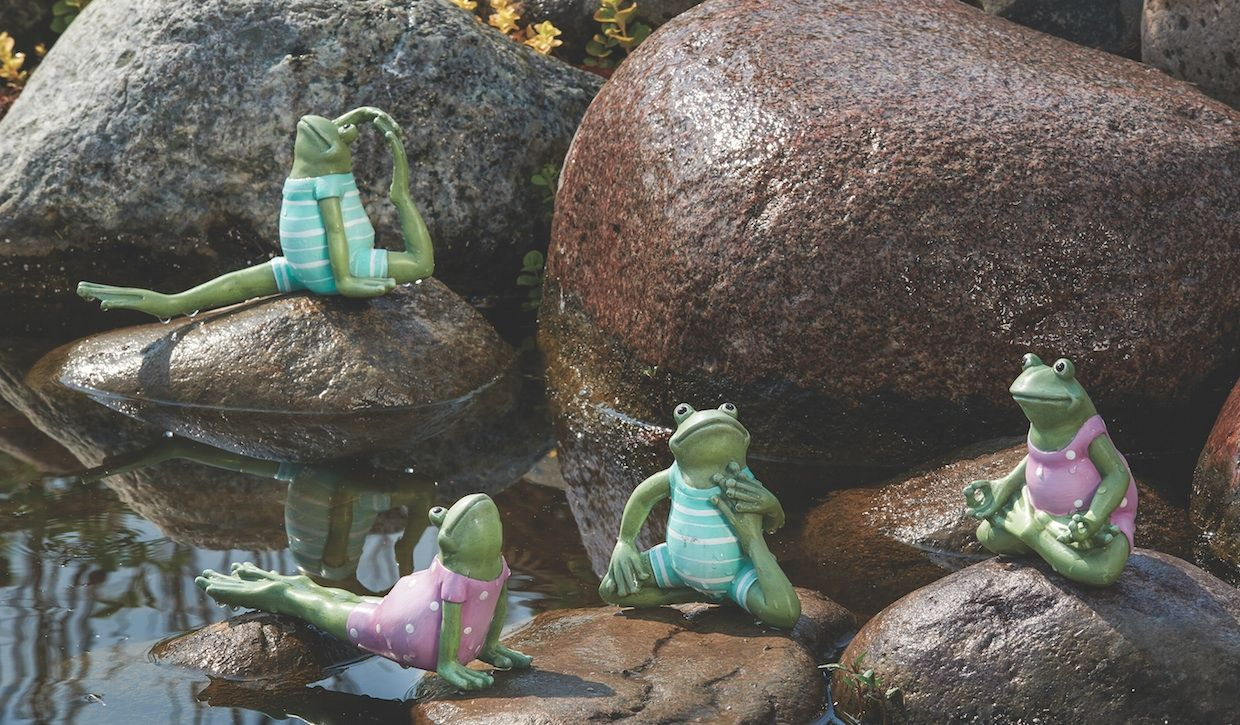 Garden decor statues  Get fit with these adorable yoga frogs from Romanus Garden