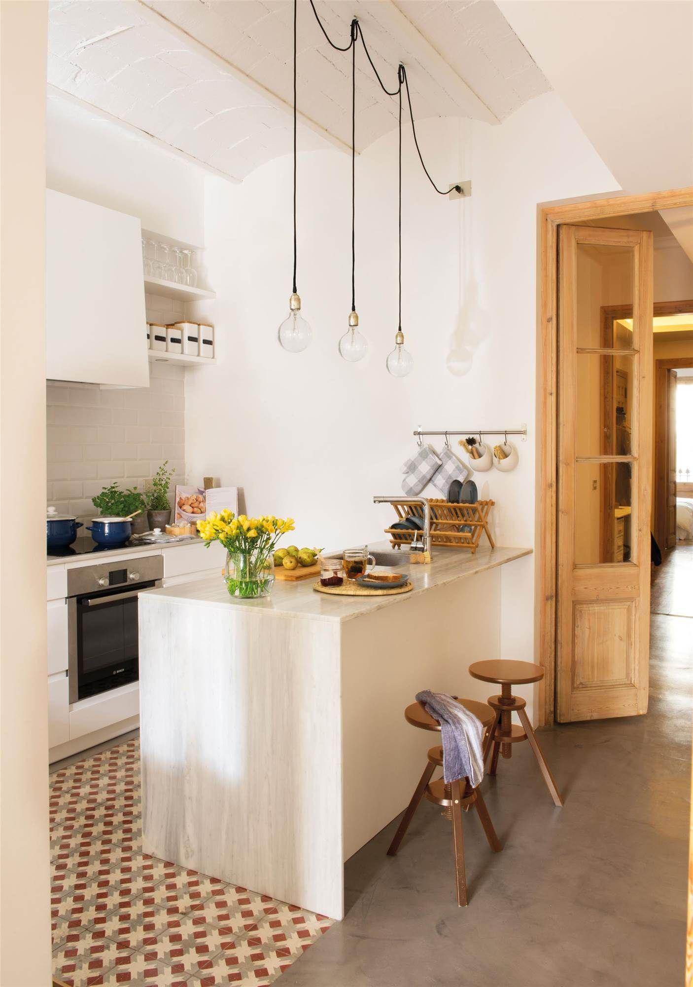 Combina Mosaico Hidraulico Y Cemento Cocinas Pequenas Con Barra