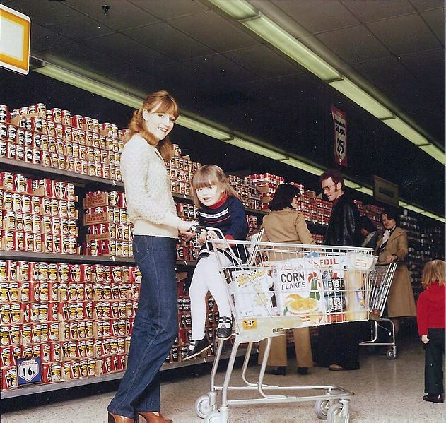 1970s Grocery Store Note 16c!!! People Could Stock Up Back Then - courtesy clerk