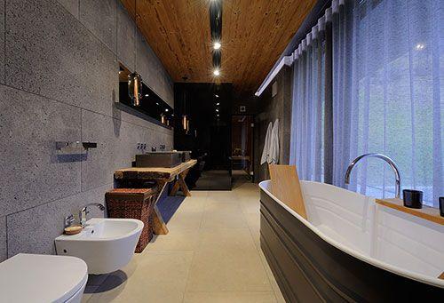 Luxe Badkamer Interieur : Luxe badkamer van chalet in oostenrijk interieur inrichting