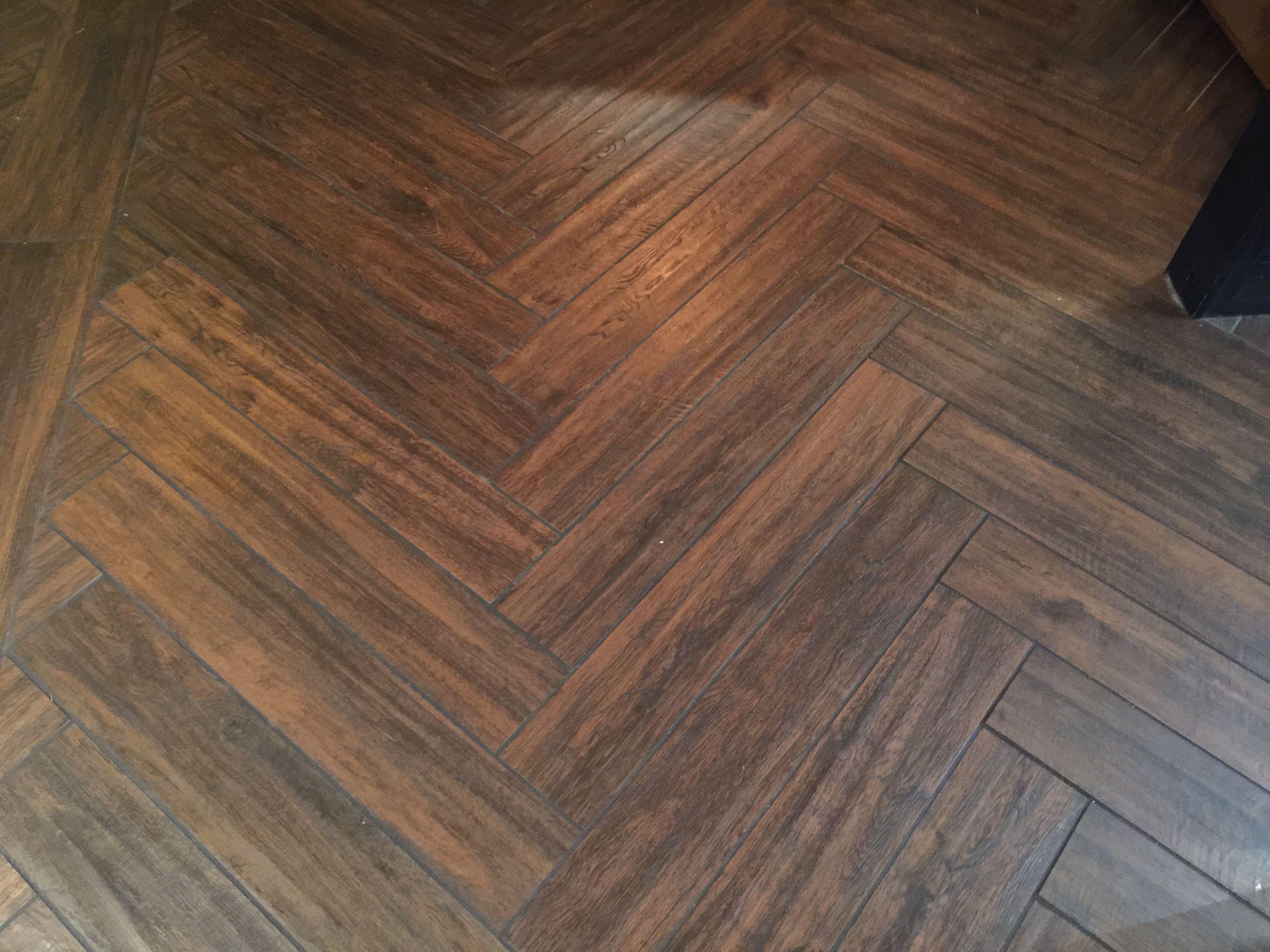 Herringbone tile pattern with 6x24 tiles Herringbone