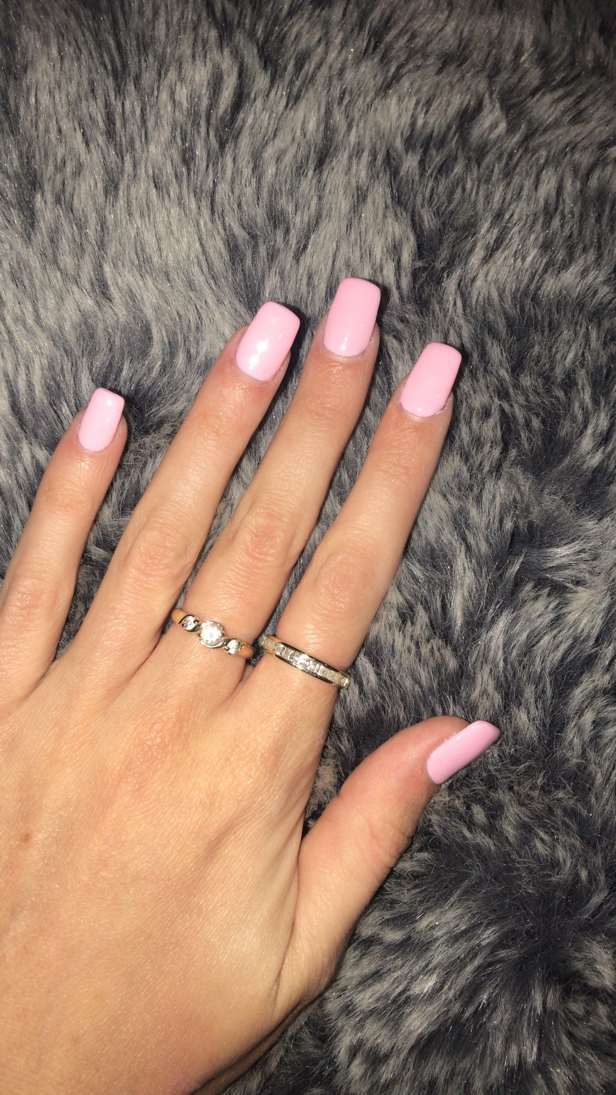 Square baby pink acrylic nails. Colour is Sunset Fog #599. #AcrylicNailsNatural