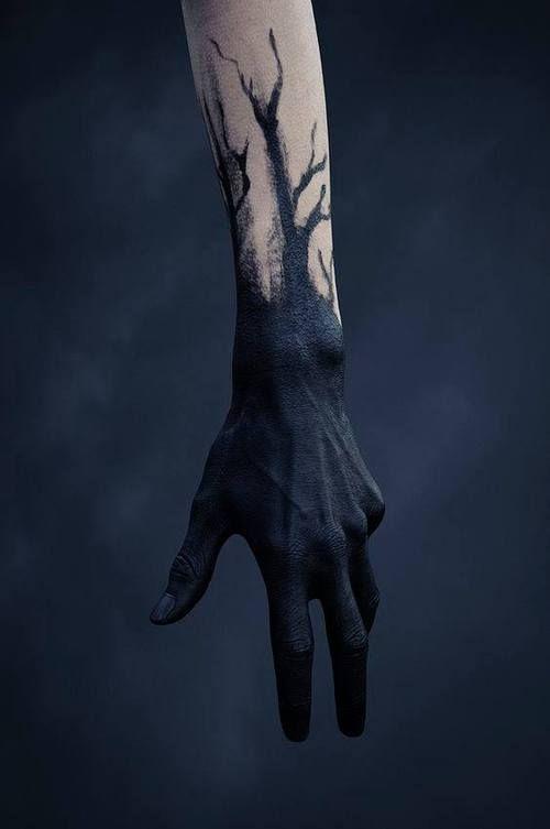 Black Tattoo And Hand Image Tattoo Ideas Arte Arte Oscuro