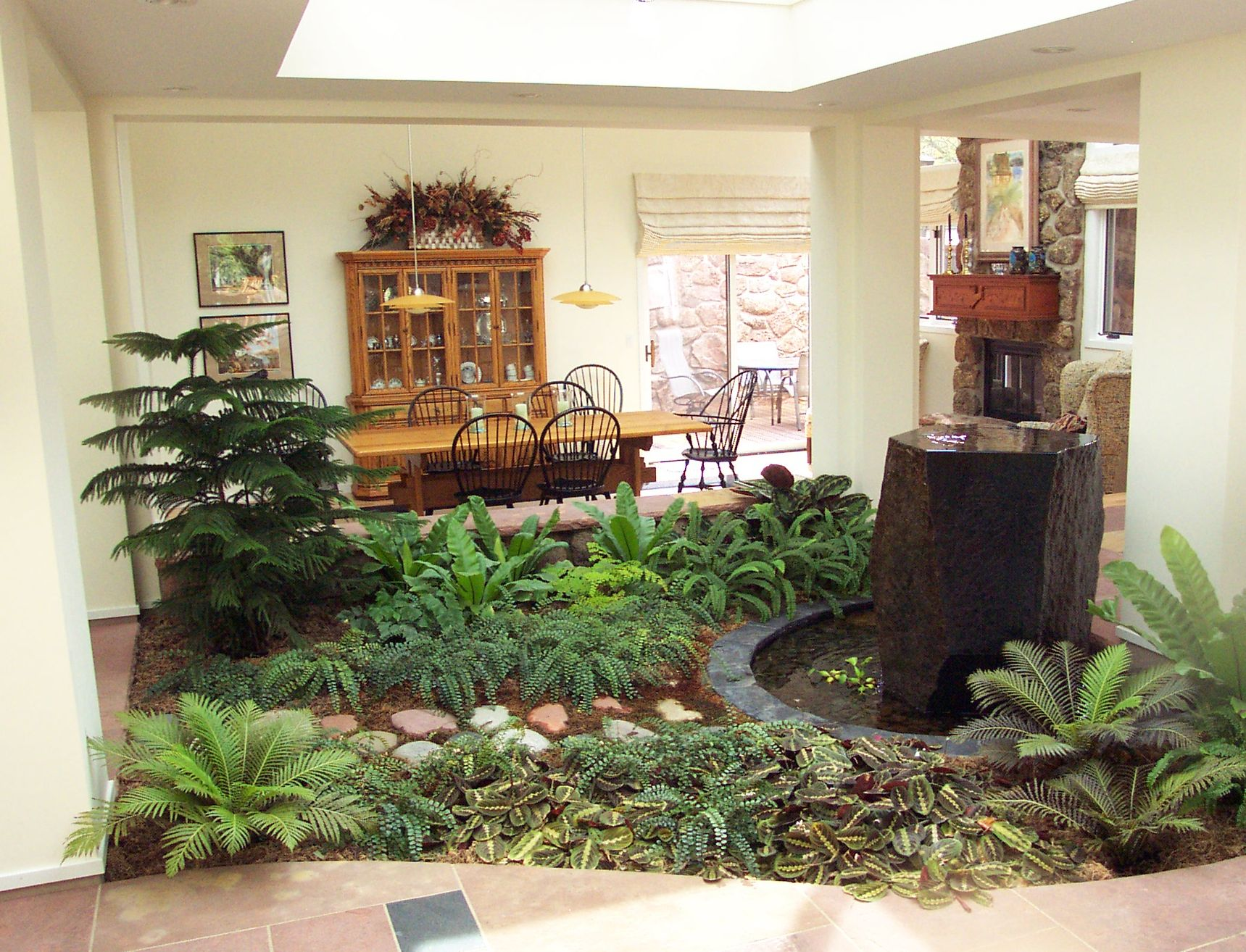 Indoor atrium landscaping projects pinterest room for Atrium inside house