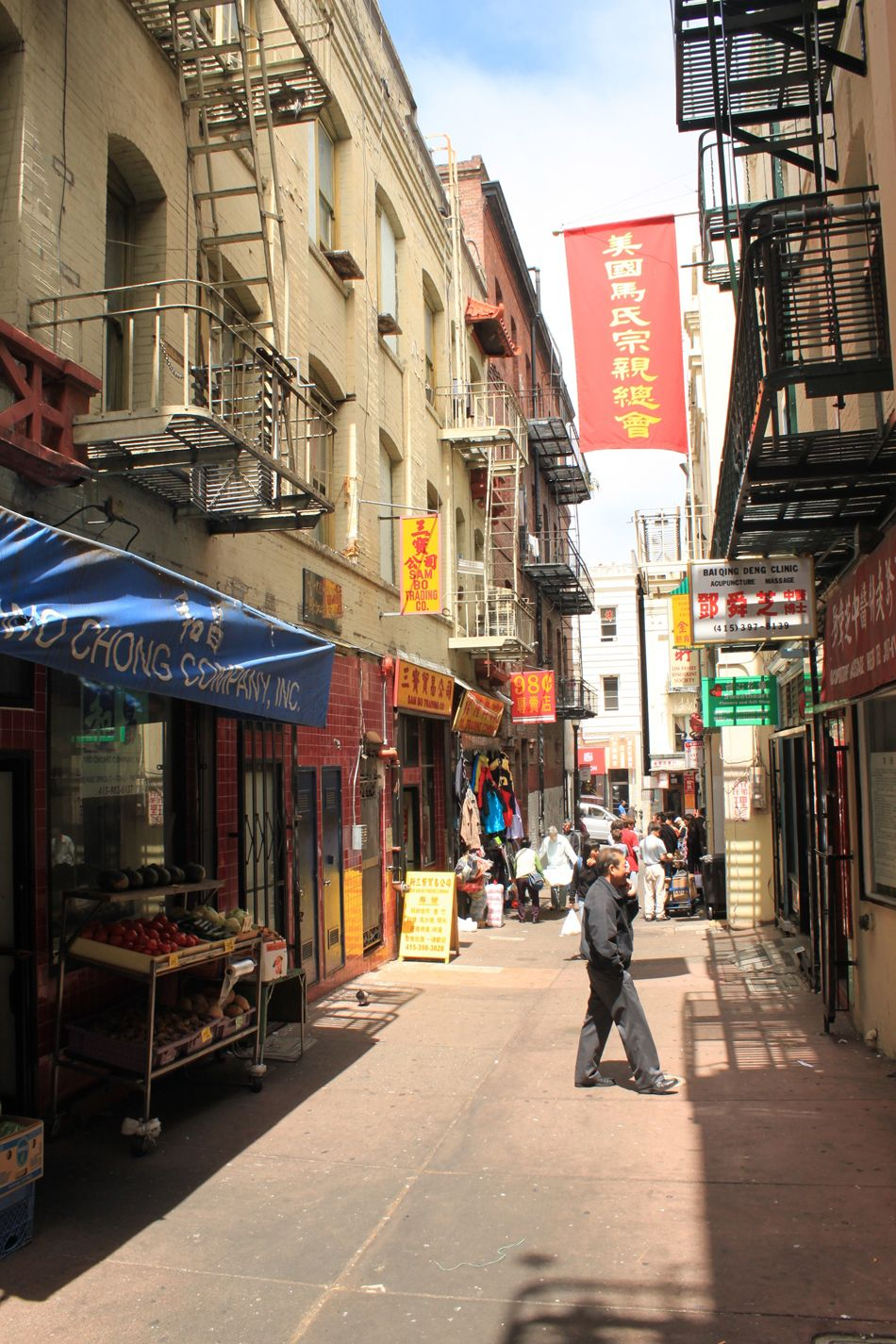 Related Image Chicago Apartment Alleyway Courtyard Apartments