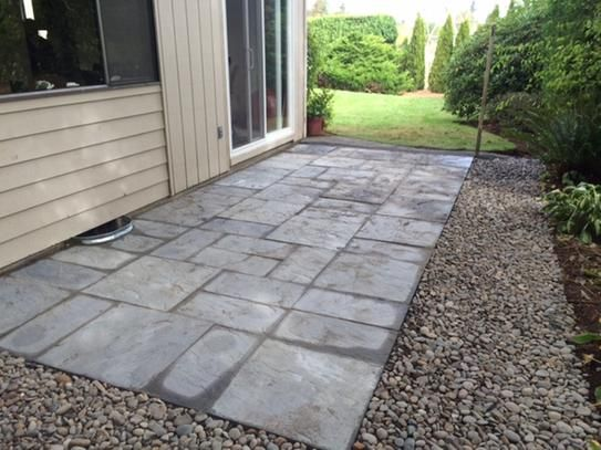 Nantucket Pavers Patio On A Pallet 12 In X 24 In And 24 In X 24 In 48 Sq Ft Concrete Gray Variegated Basketweave York Stone Pavers 30532 The Home Depot Patio Pavers Design Patio