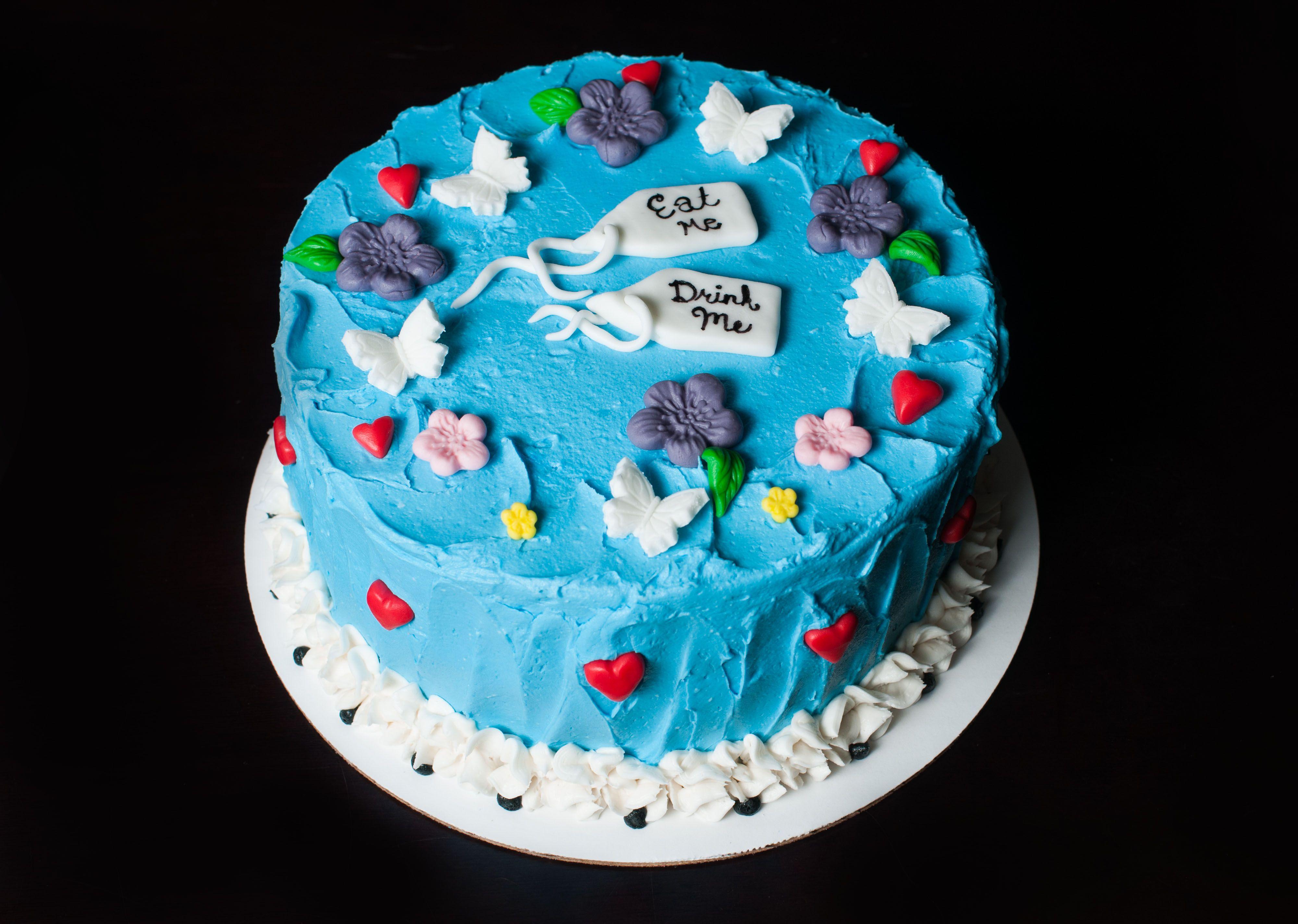 Alice in Wonderland Cake - Alice in Wonderland Baby Shower Cake - Alice in Wonderland Themed Baby Shower Cake - Alice in Wonderland Themed Party Cake
