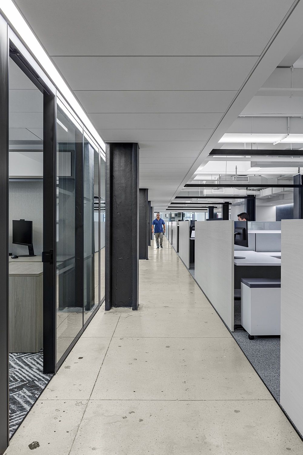 A Tour Of Fragomen S New Nyc Office In 2020 Retail Interior