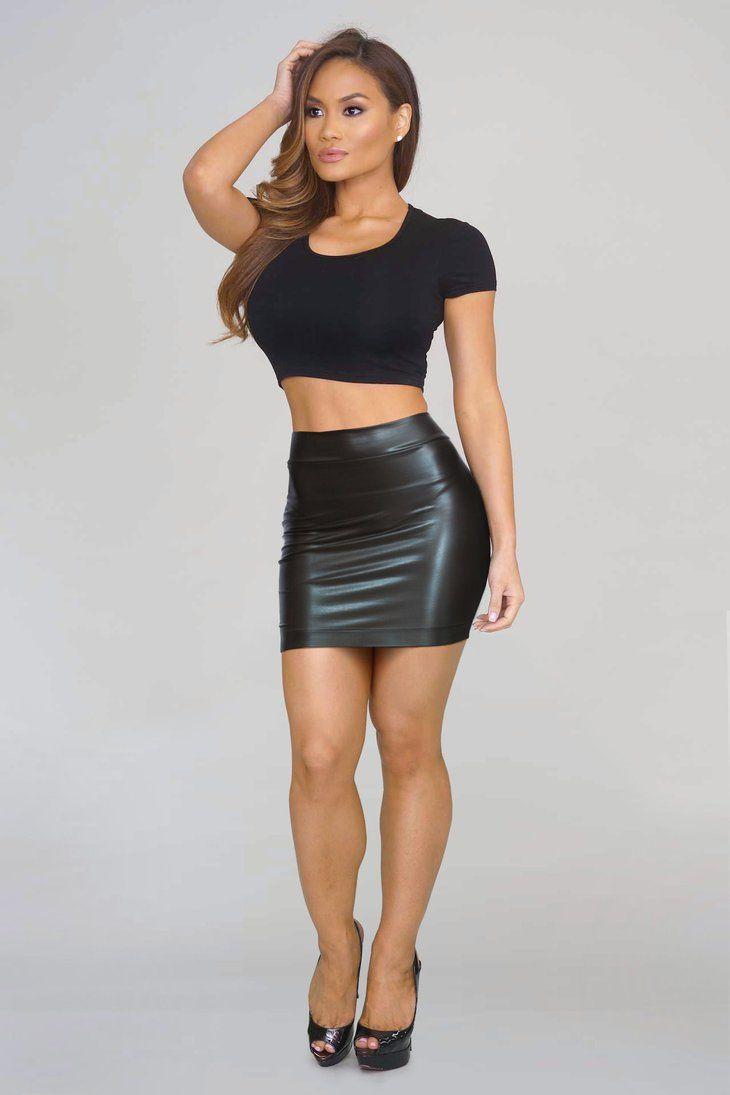 e4c9d80893 Daphne Model, Black Tops, Daphne Joy, Leather Mini Skirts, Leather Skirt,  Funny Toys, Curvy Fit, Skirt Fashion, Short Skirts