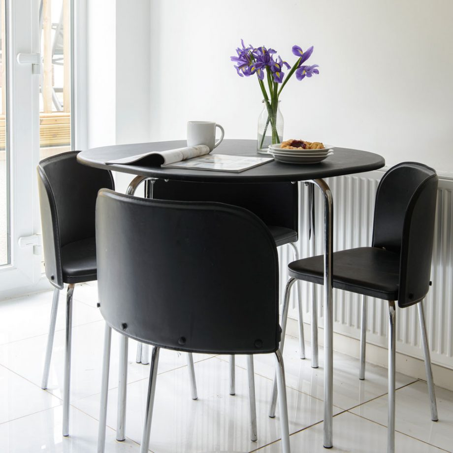 Elegant Tableware For Dining Rooms With Style: Small Dining Room Ideas