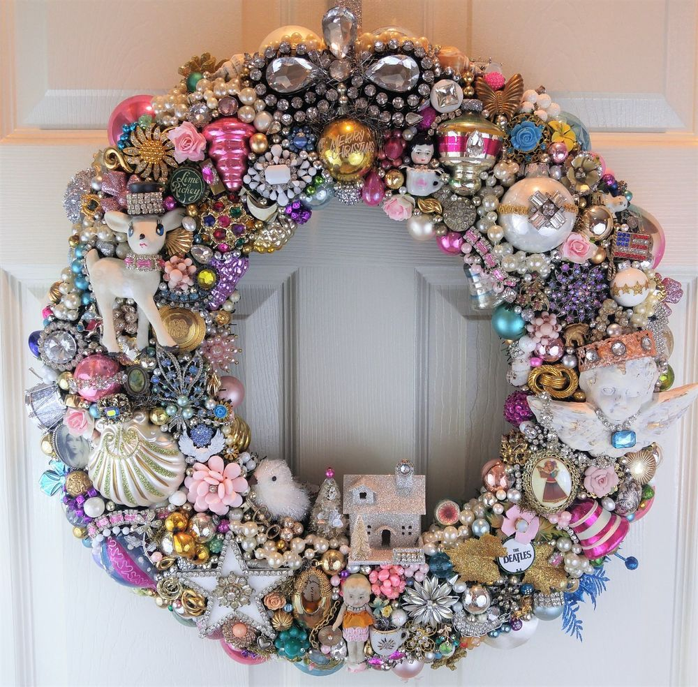 Christmas WReAtH LOADED With Vintage JEWELRY Ornaments
