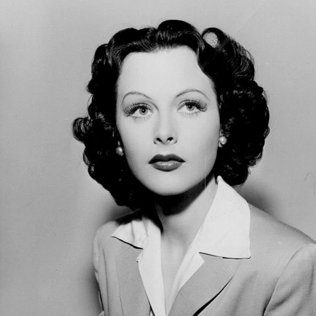 Hedy photographed in 1941. #hedylamarr #classic #40se