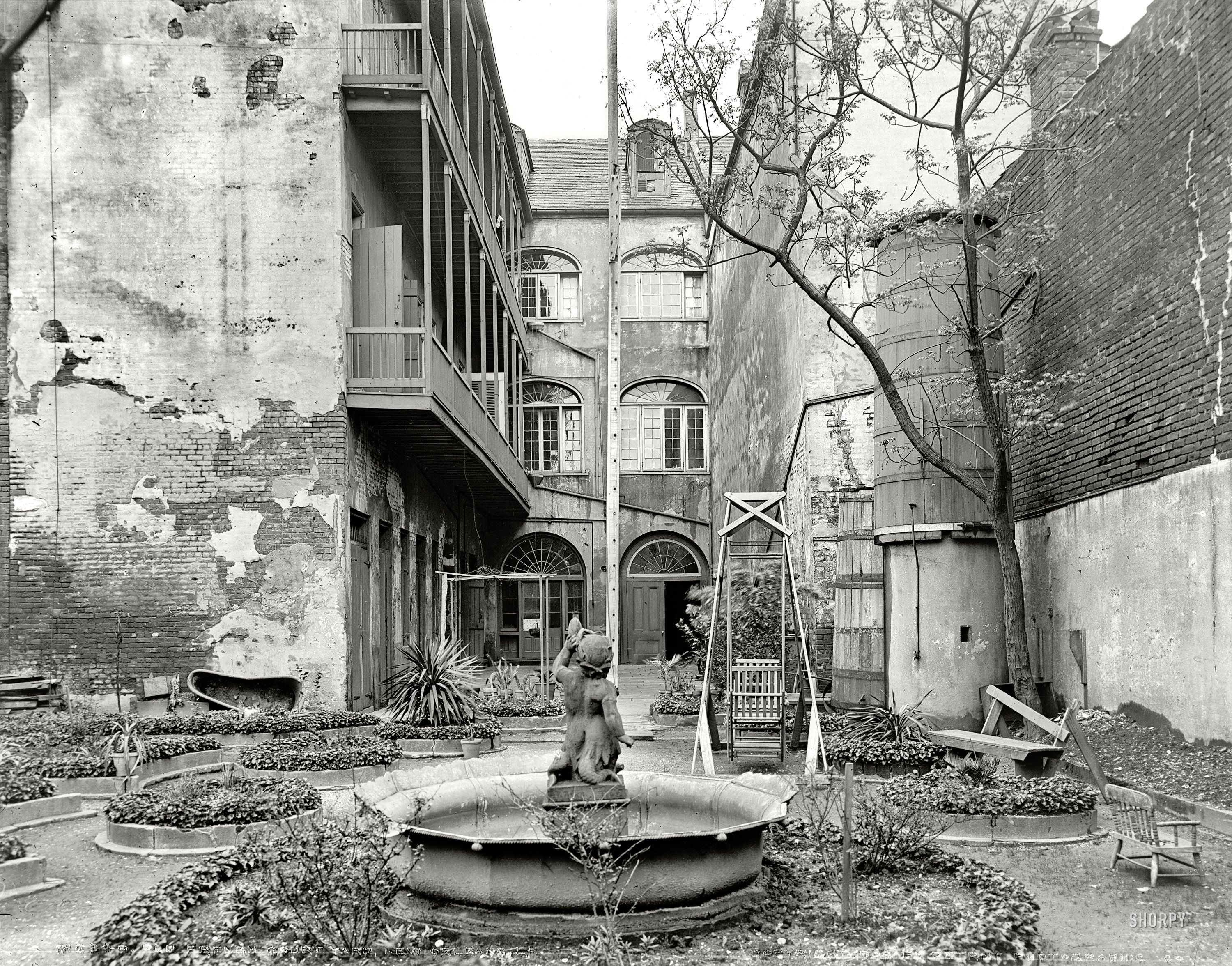 New Orleans circa 1903 Old French courtyard Shabby chic