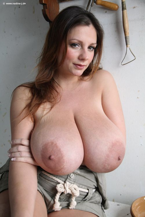 Profile pictures of women with big tits