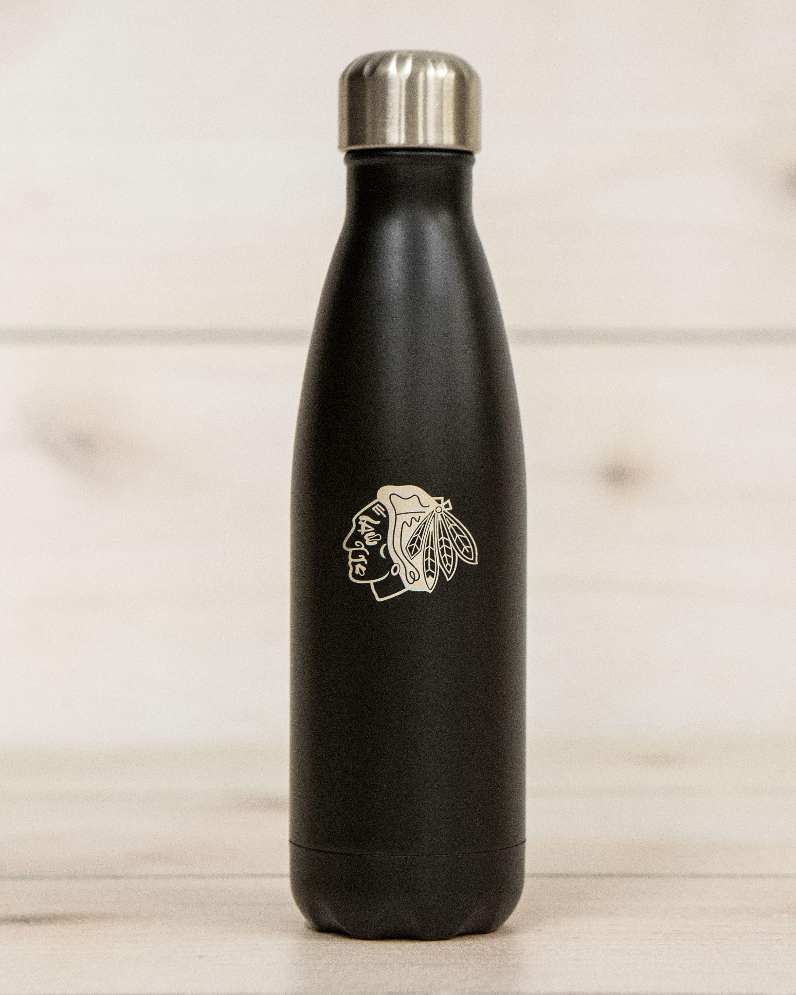 Blackhawks S Well Bottle In London Chimney Bottle Well Bottle Swell Water Bottle